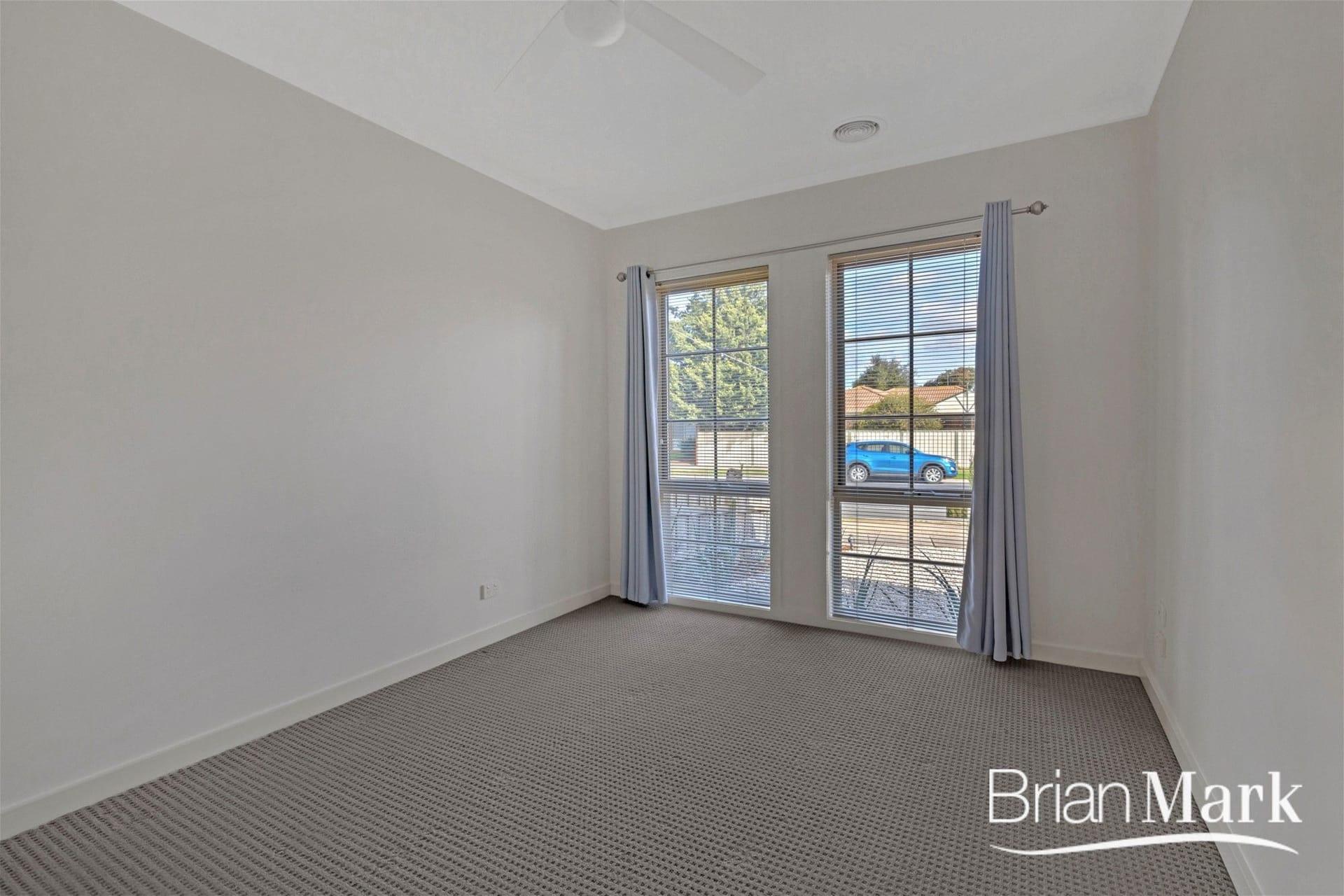 Property 1/274 Greaves Street North, WERRIBEE VIC 3030 IMAGE
