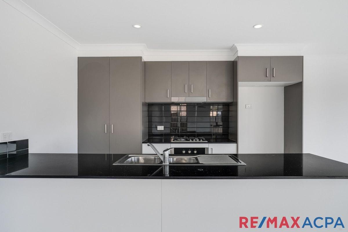 Property 18 Maryborough Drive, Wyndham Vale vic 3024 IMAGE