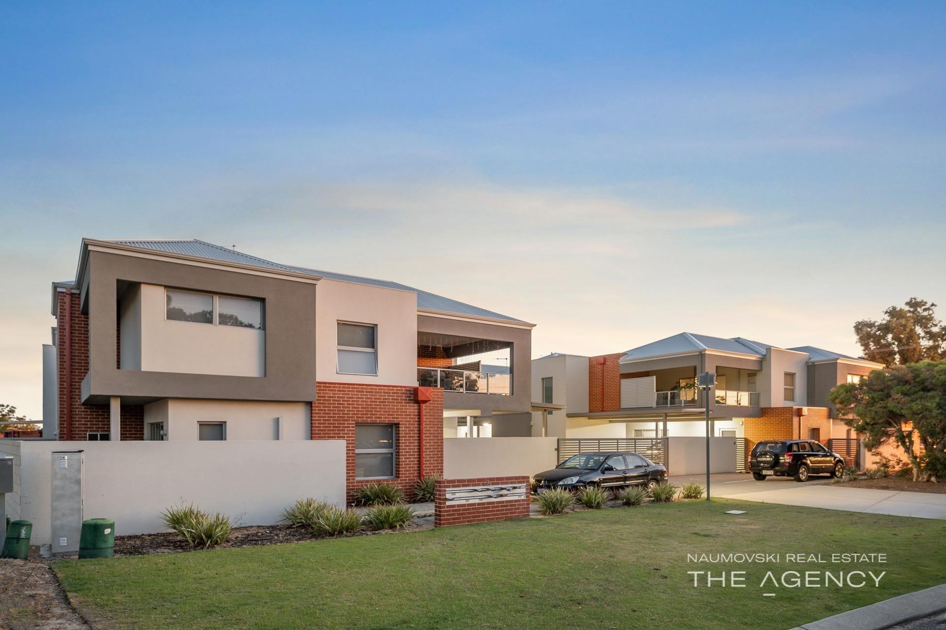 Property 4/3 Dover Court, Marangaroo WA 6064 main IMAGE