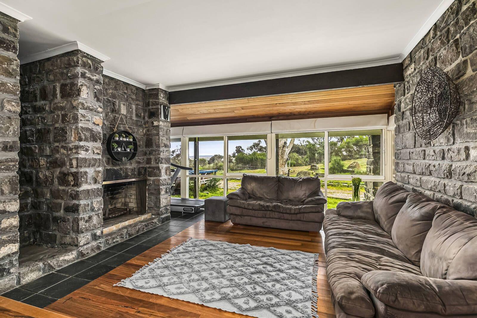 Property 23 Cooraminta Crescent, New Gisborne VIC 3438 secondary IMAGE