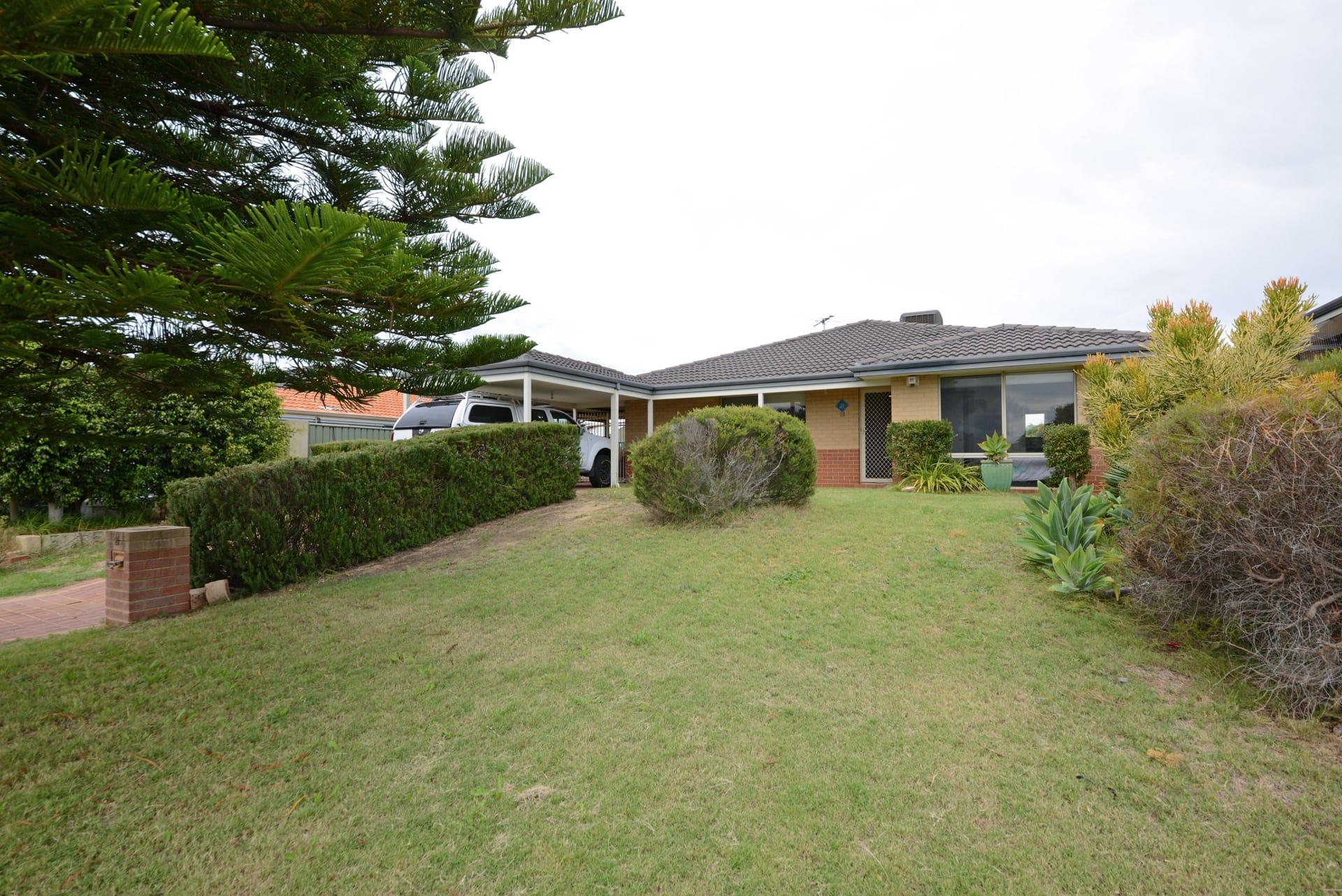 Property 21 Namoi Turn, Merriwa WA 6030 main IMAGE