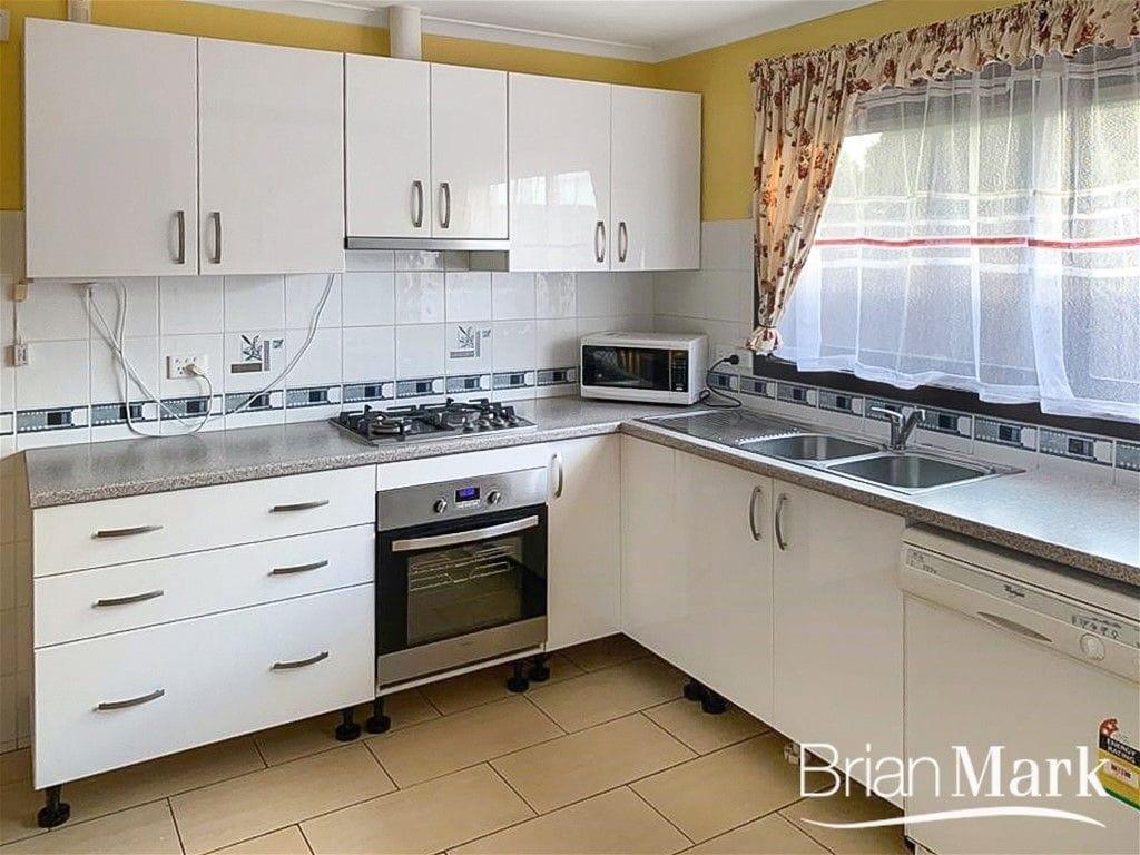 Property 24 Sanderling Street, WERRIBEE VIC 3030 secondary IMAGE