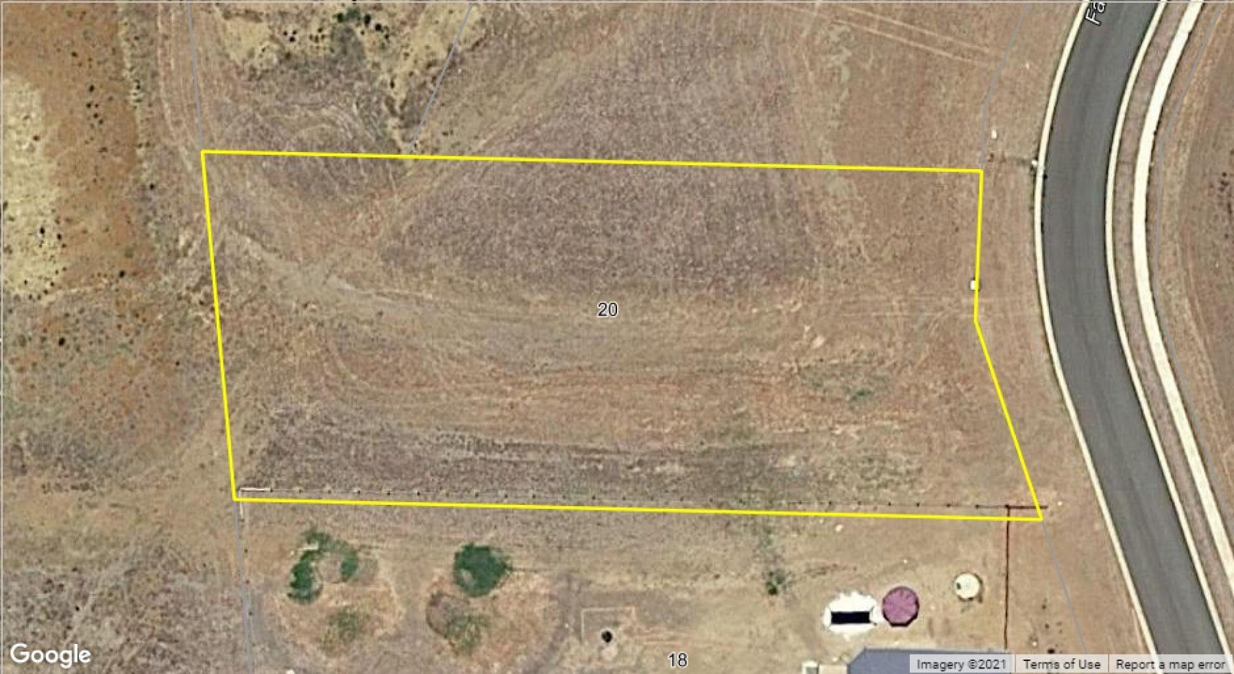 Property 20 Farmer Drive, MERINGANDAN WEST QLD 4352 secondary IMAGE