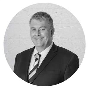 Property Agent Craig Baynes