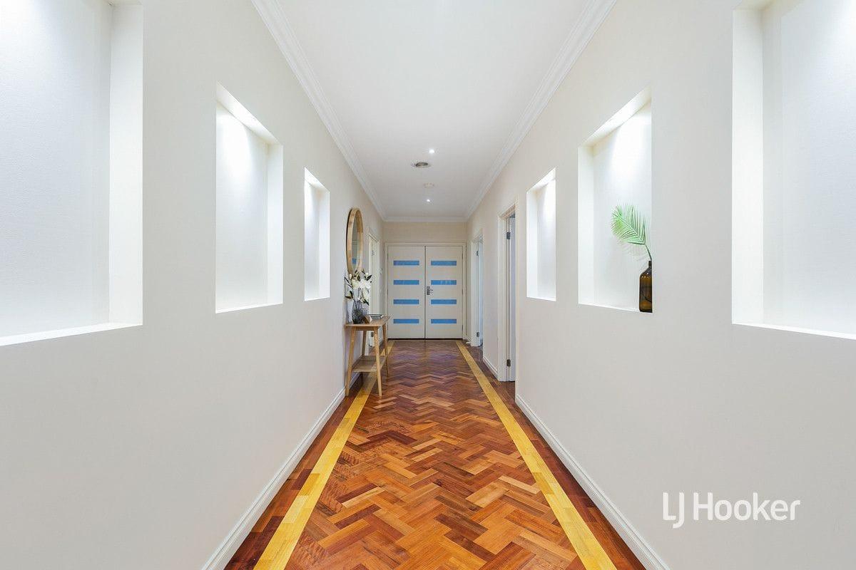 Property 31 Santander Crescent, Point Cook VIC 3030 IMAGE