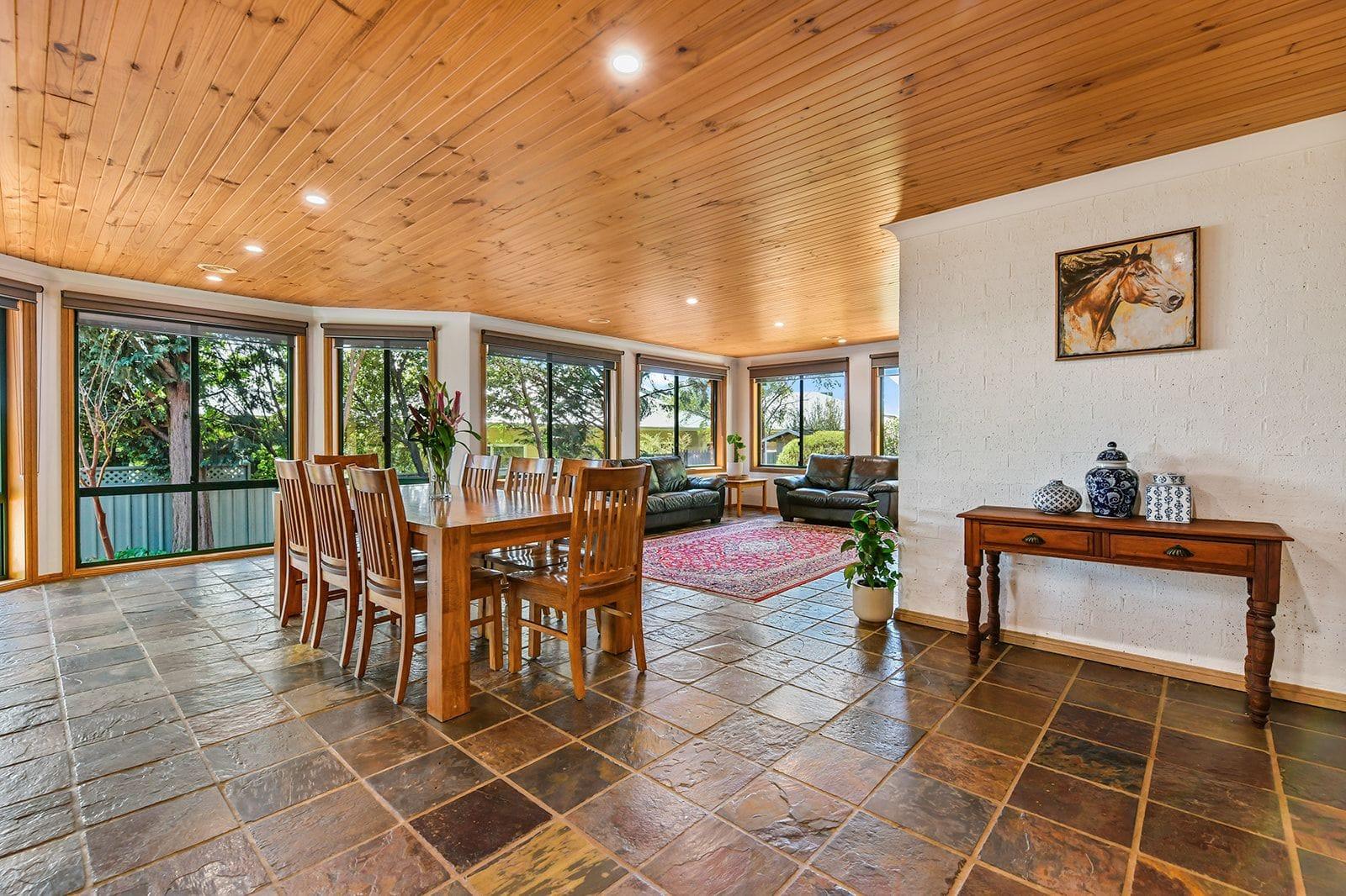 Property 8 Birchgrove Drive, ORANGE NSW 2800 secondary IMAGE