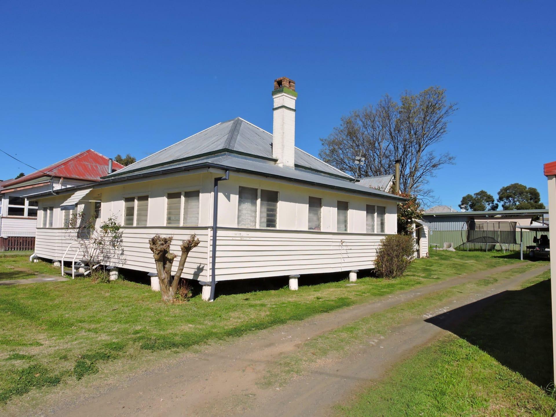 Property 31 Acacia Ave, Warwick QLD 4370 main IMAGE