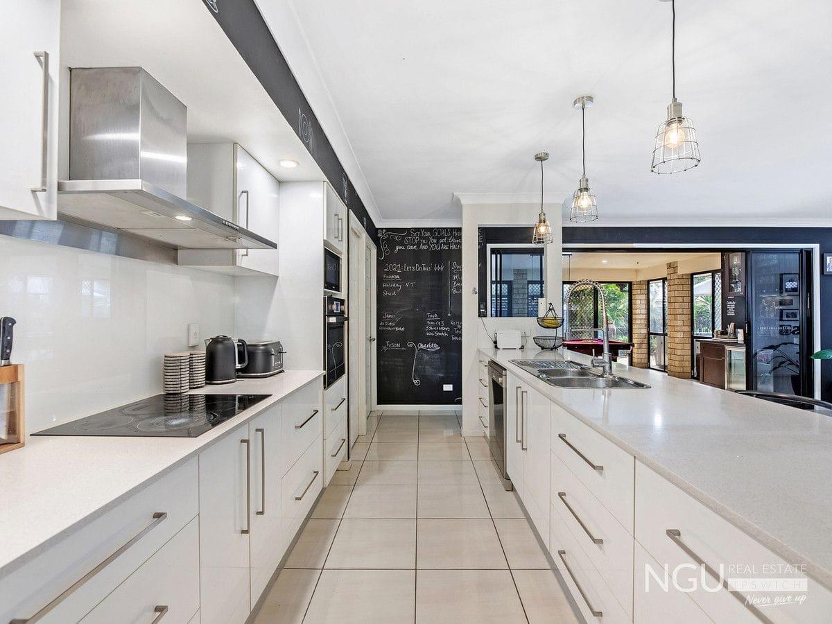 Property 38 Titmarsh Circuit, FERNVALE QLD 4306 IMAGE